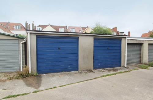 Garage off Northumbria Drive, Henleaze