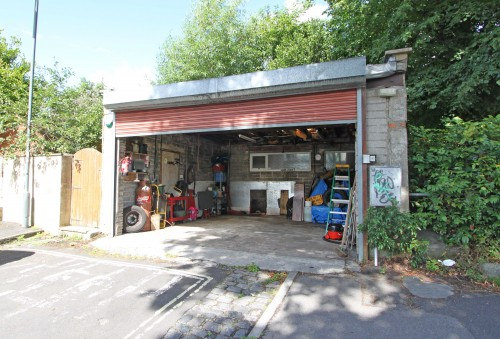 Garage at Nutgrove Avenue, Victoria Park
